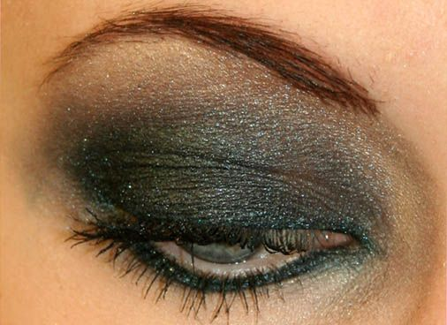 Dark green and grey http://studentrate.com/studentrate/itp/get-itp-student-deals/Sephora-Student-Discounts--/0