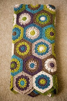 The next time I convince myself to make a granny square blanket it will be in these colours....for me.