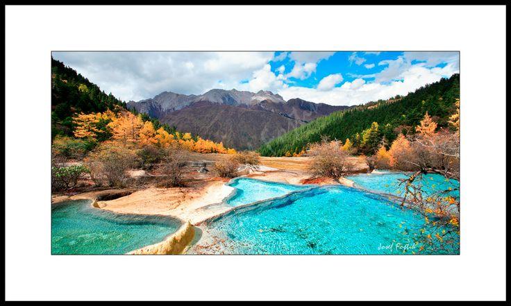 Fotoobraz - Vápencové kaskády v národním parku Huanglong, Sečuan, Čína. Foto: Josef Fojtík - www.fotoobrazarna.cz