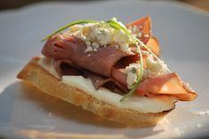 beef tenderloin crostini | Heavy hors d'oeuvres - it's what's for dinner.