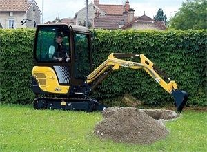 SV16 Micro Digger with cab and all round visibility. For more information: http://www.fresh-group.com/mini-diggers.html