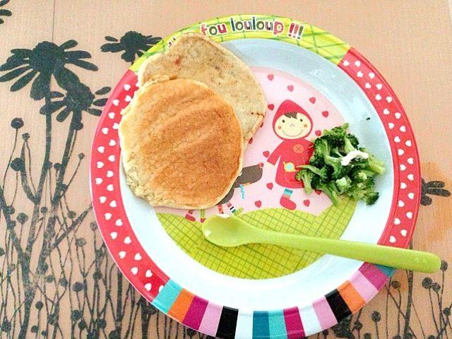 #娘の離乳食の記録 *リンゴのパンケーキ*やさと鶏レバーのパンケーキ*ブロッコリー - 9件のもぐもぐ - 離乳食136d2/3 by attyann