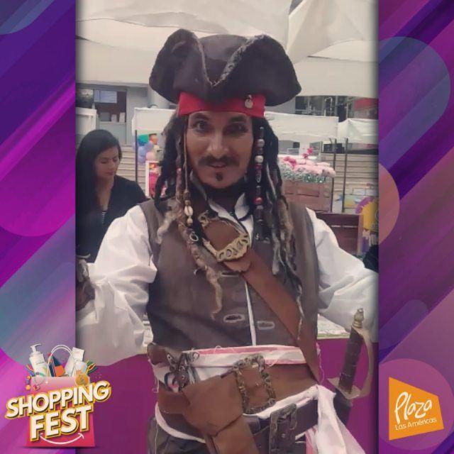 Quito: El capitán Jack Sparrow llego a Plaza Las Américas ven! tomate una foto con Jack y visita la feria Shopping Fest de Ecofest que te trae regalos novedades golosinas productos gourmet y de moda. Recuerda estamos en Plaza Las Américas del 16 al 19 de noviembre. Felices compras a todos!  Zona de eventos de Plaza Las Américas  Del 16 al 19 de noviembre.  De 11h00 a 22h00  #Quito #plazalasamericas #fabricantes #descuentos #promociones #primeroecuador #feriadeemprendedores #diversion…