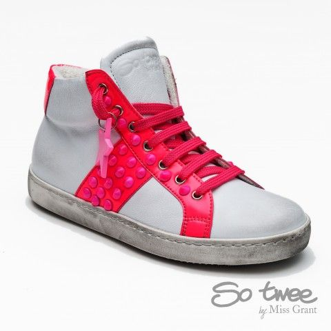 SO TWEE by #missgrant WHITE AND FUCSIA HIHG-TOP SNEAKER. Sale 50% off Spring&Summer Collection! #discount