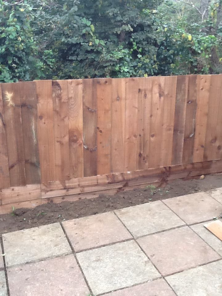 Close board fencing, 1m high, with gravel boards. www.ppmsltd.co.uk