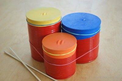 Bębenki z puszek i baloników. Drums of tin cans and balloons. diy