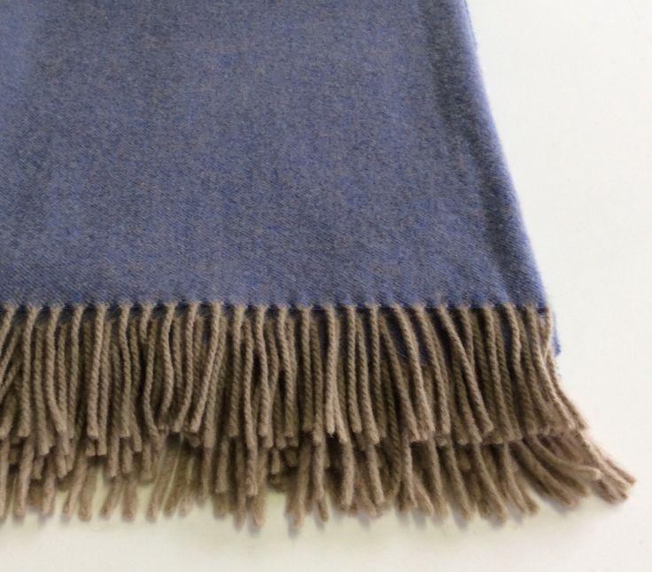 Plaid in lana Cecchi&Cecchi con frange colore tortora. Plaid colore malva…