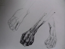 life drawing: took time to just concentrate on the hands from various angles.