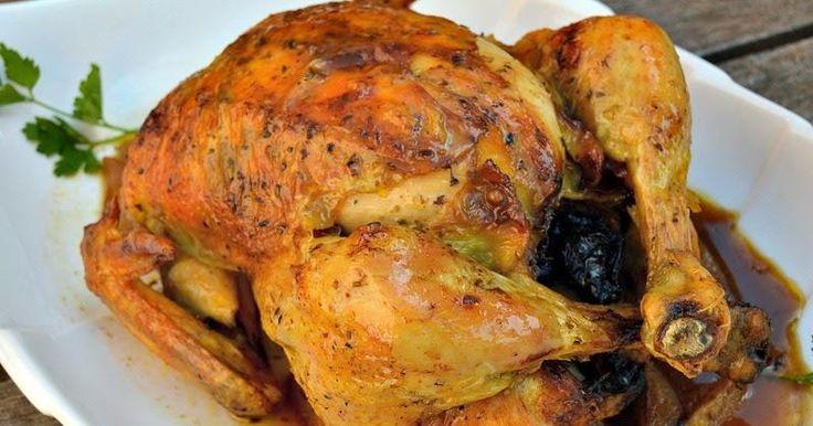 Pollo casero al horno relleno de manzanas y ciruelas pasas. Hoy cocinamos Pollo Casero al Horno Relleno de Manzanas y Ciruelas Pasas. Una receta especial, muy fácil y con un resultado espectacular.