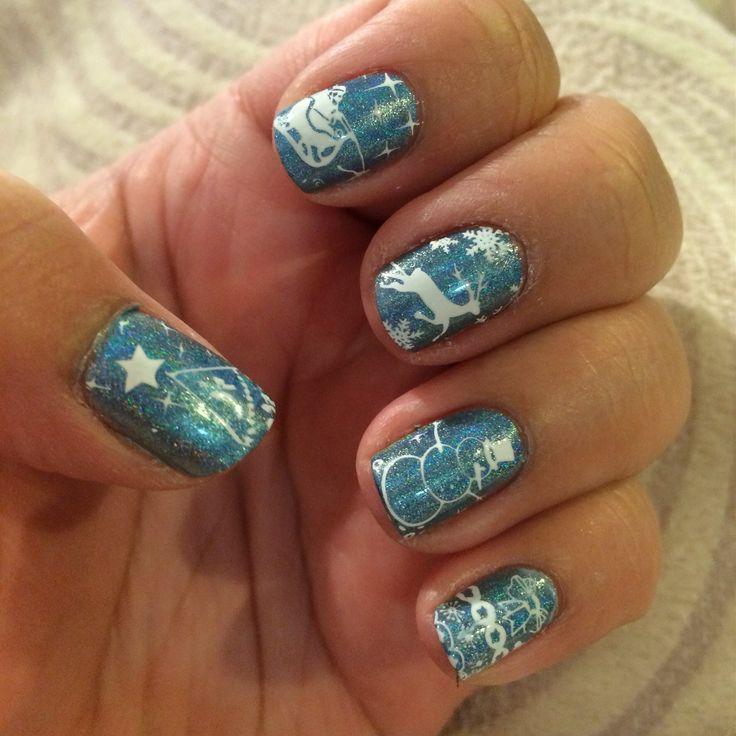 Nail design. Christmas nail stamping