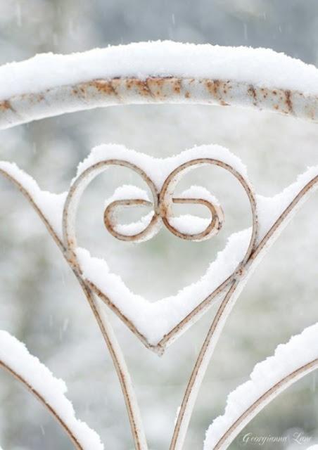 Winter Snow, Valentine Day, Heart Shape, Winter Wonderland, White Christmas, Wrought Iron, Chairs Back, Snow Art, Iron Gates
