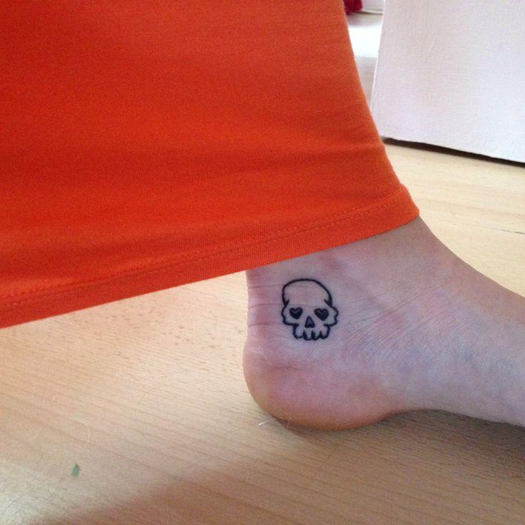 I've just had this tiny skull tattoo !