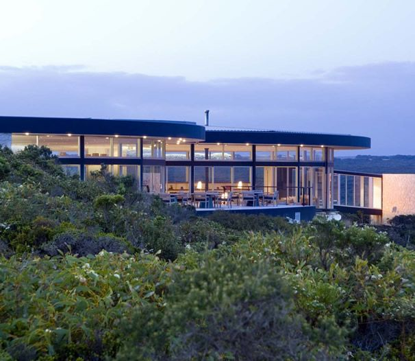 Twenty-one luxe suites commanding mesmerising views of the Southern Ocean cantilever along the coast.