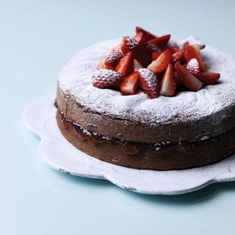 Low fat chocolate cake