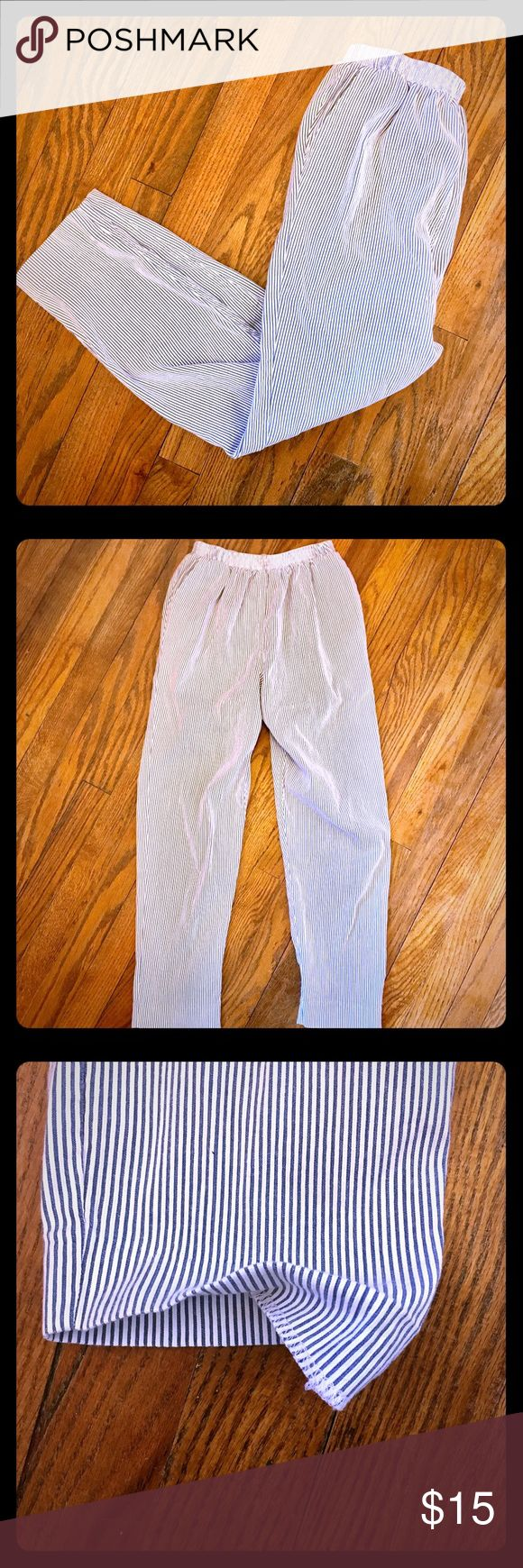 Seersucker lounging pants with POCKETS! Adorable and super comfortable seersucker pants size 6P with elastic waistband. These pants will easily become your new favorite :) In perfect condition other than hem coming undone a little on bottom left pant leg, shown in picture and reflected in price. Alfred Dunner Pants
