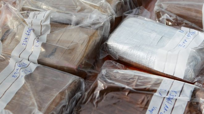 mexican drug cartels and the mafia link up to export coke to europe