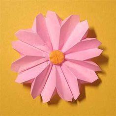 折り紙でコスモスの折り方!1枚で簡単立体的な作り方 | セツの折り紙処 もっと見る