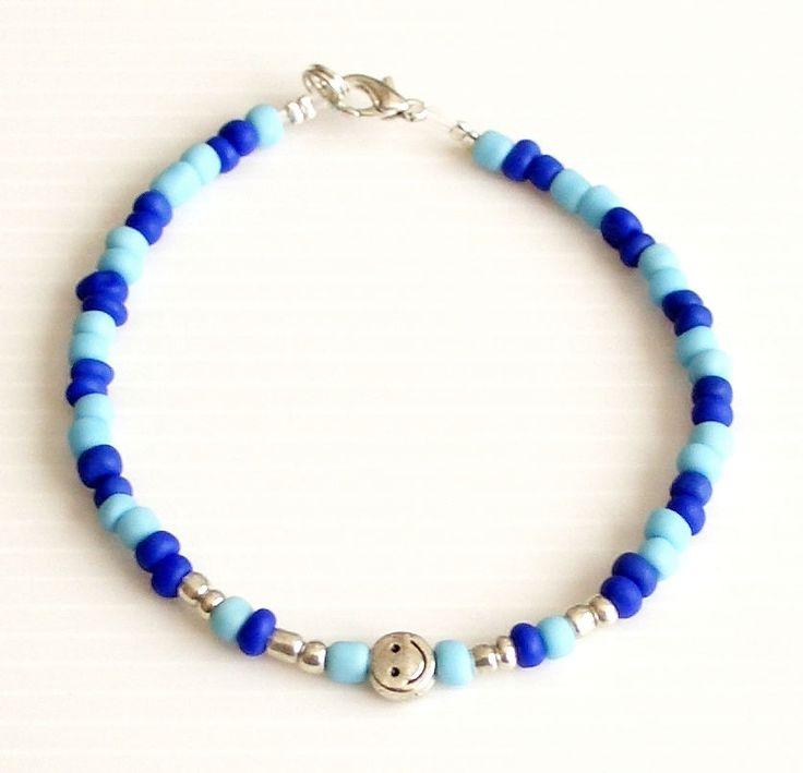 Pulsera amistad minimalista cuentas de cristal azul turquesa azul eléctrico plata tibetana Tibet brazalete fino de Rox88Designs en Etsy