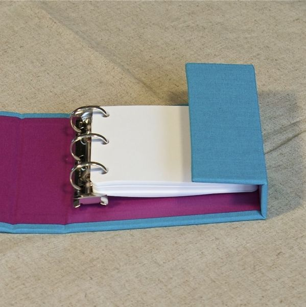 Mini binder with contrast lining