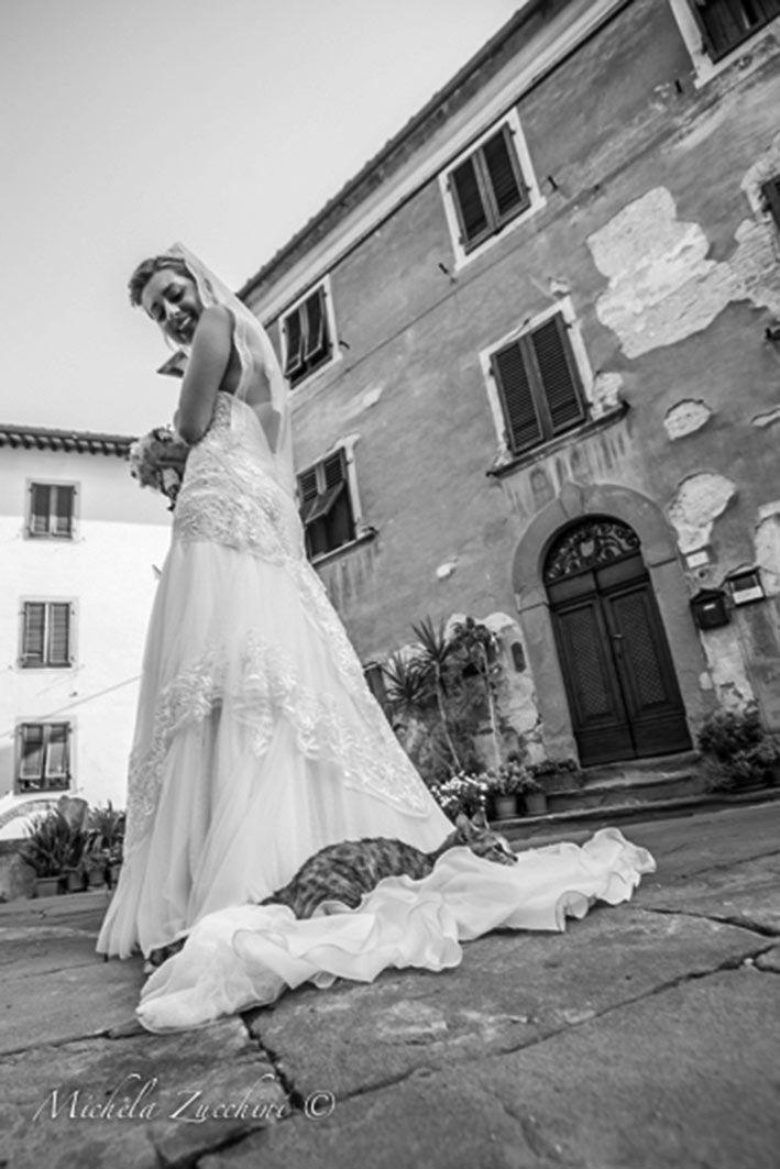 YolanCris |Lunia del Vivo se casa en la Toscana Italiana con el vestido Kenya de la Colección Ibiza 2013  #realbrides #weddingdress #bridalgown #hautecouture #handmade #sposa #Italy #novias #hapiness #beautifulbrides #cat