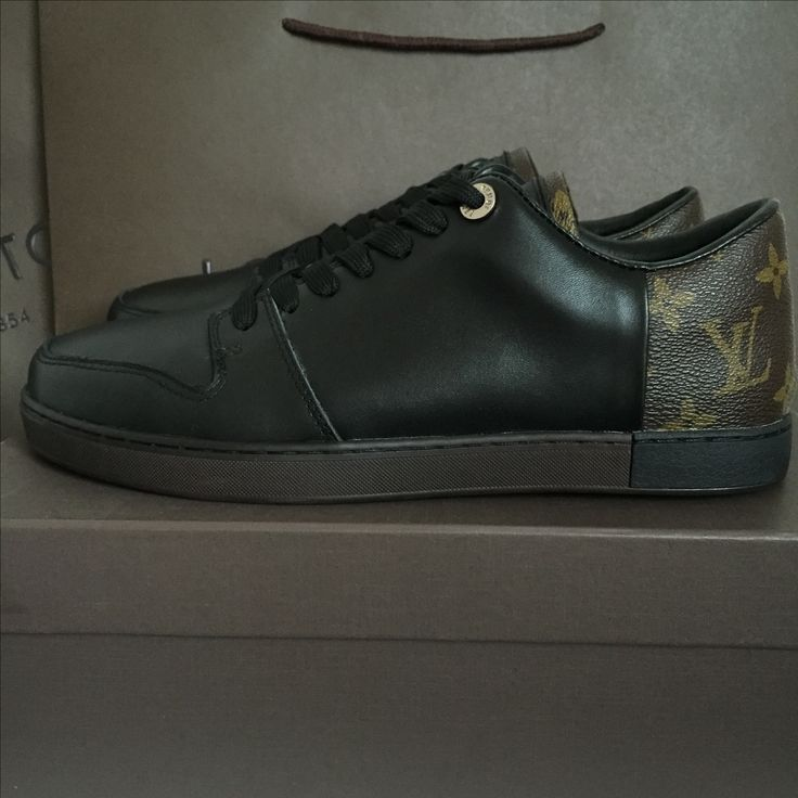Louis Vuitton Lv man sneakers monogram with black loafers shoes