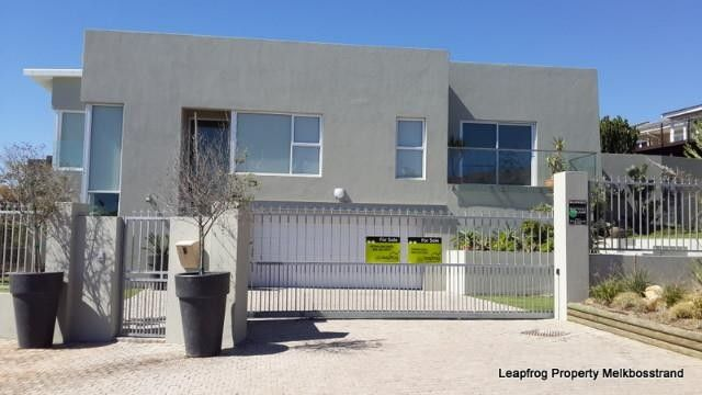 3 Bedroom House For Sale in Van Riebeeckstrand | Leapfrog Property Group
