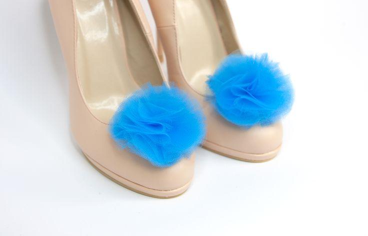 http://www.klipsy-do-butow.pl/sklep/klipsy-do-butow-3/pompony-2/niebieskie-tiulowe-pompony/