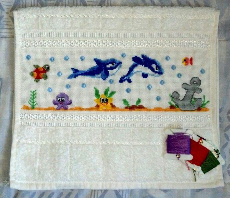 Toalha de mao/lavabo/boca bordada ponto cruz golfinhos