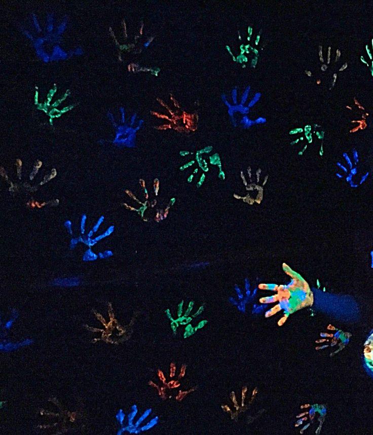 Best 25+ Glow in dark paint ideas on Pinterest | Glow ...