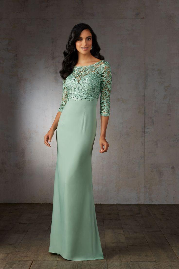 Suknia galowa Mori Lee z krepy i koronki, rękaw3/4. Klasyczna, długa suknia z krepy, z dekoltem serce. Na wierzchu Bolerko …