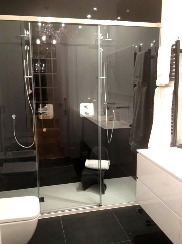 Precioso baño con ducha doble