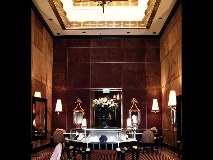 Now you 39 re in new york a most handsome harry winston for Retail interior design firms nyc