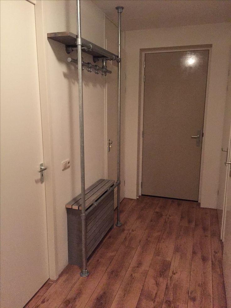 Kapstok + radiator ombouw van steigerbuis (33,7mm) en steigerhout (vintage grijs)