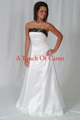 Love this dress for a camo outdoor wedding