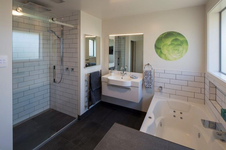 Great use of tiles in this bathroom designed by Julie-Ann Ross of Design Arc Limited #ADNZ #architecture #bathroom