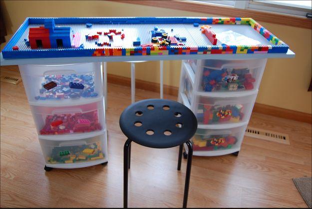 Vous voulez une autre idée géniale ? Voici une table en Lego. | 19 projets de bricolage qui vont époustoufler vos enfants