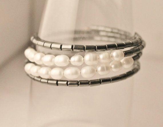 Elegant modern bracelet in hematite by Lisbethstafnedesigns