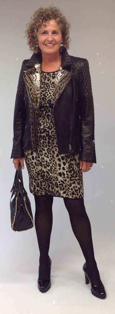 Der Leopard ist nicht zu bändigen und zeigt sich überall: auf Jacken, Kleidern, Shirts, Blusen, Röcken, Hosen, Jeans, Sneakers...