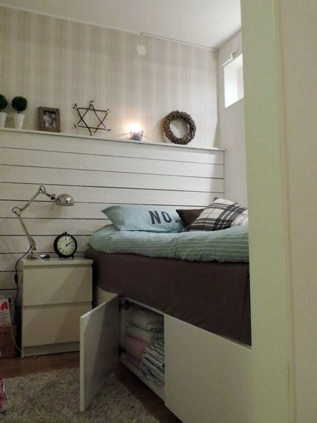 Vi byggde en sovalkov i min etta för att dels öka värdet på lägenheten och för att ha en mysig plats att sova på. Jag är väldigt nöjd med resultatet.