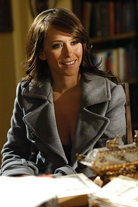 Jennifer love hewitt in the ghost whisperer girl crush its like the hair makeup and fashion was made for me :)