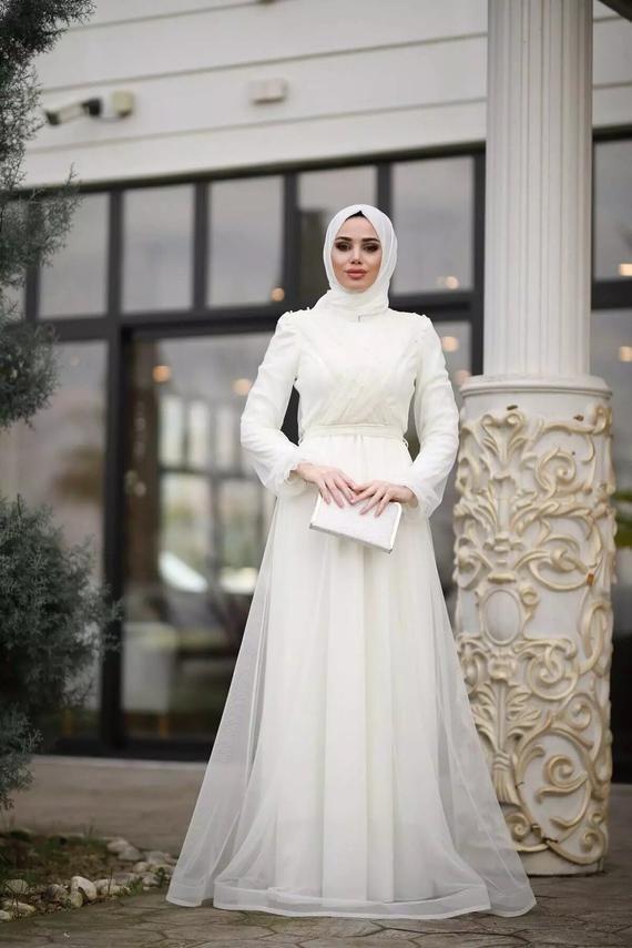 Muslim Evening Dress Long Dress Wedding Dress White Long Etsy In 2020 Muslim Evening Dresses Dresses Evening Dresses Long