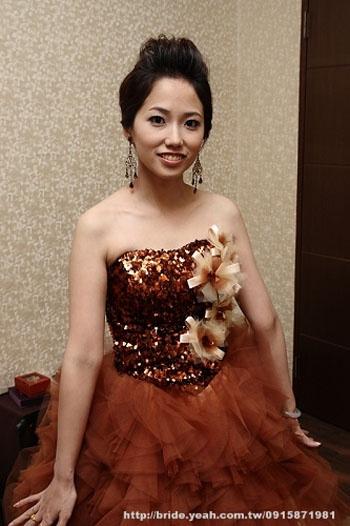 Bridal Hairstyle & Brown Wedding Dress,新娘妝髮造型,Yeah!新娘秘書網,香檳色禮服