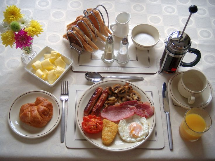 A full traditional Welsh breakfast.