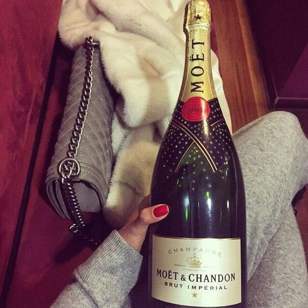 #luxus #MOËT #yumm #bag #chanel #life #champagne