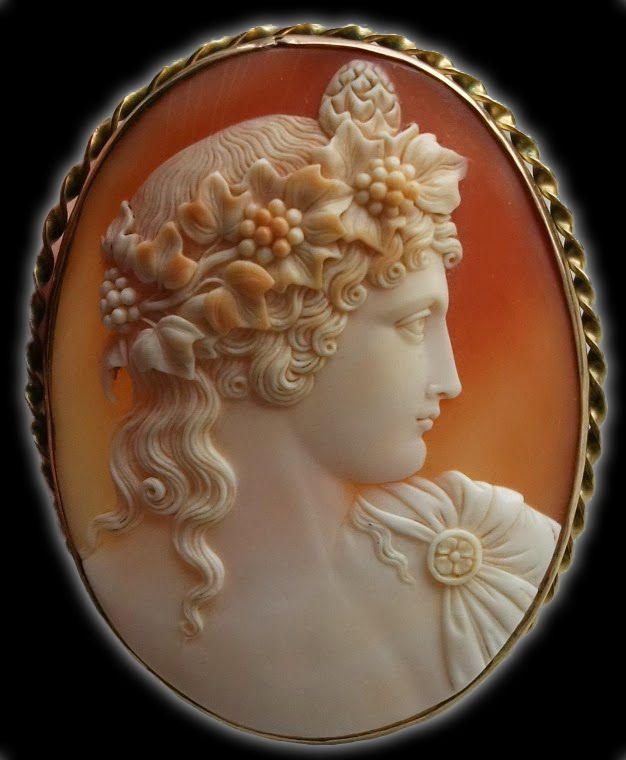 Antinous Vertumnus | cornelian shell, gold Italy ca. 1850-1860