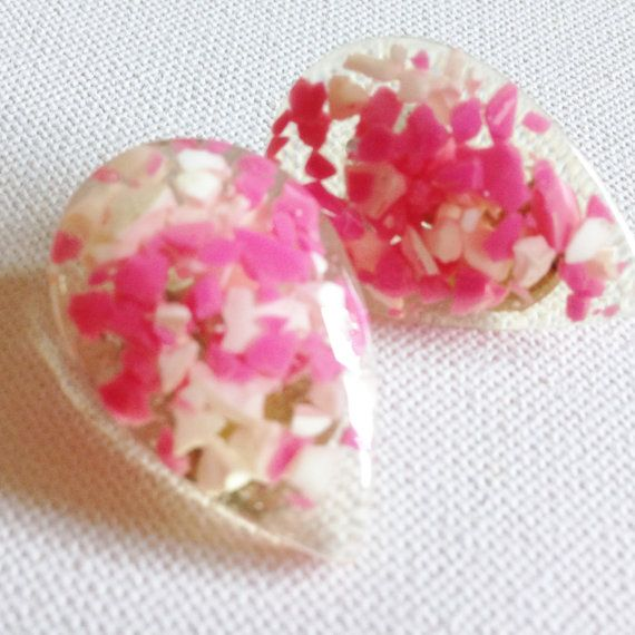 funky retro lucite with pink and white chips plastic clip on earrings great…