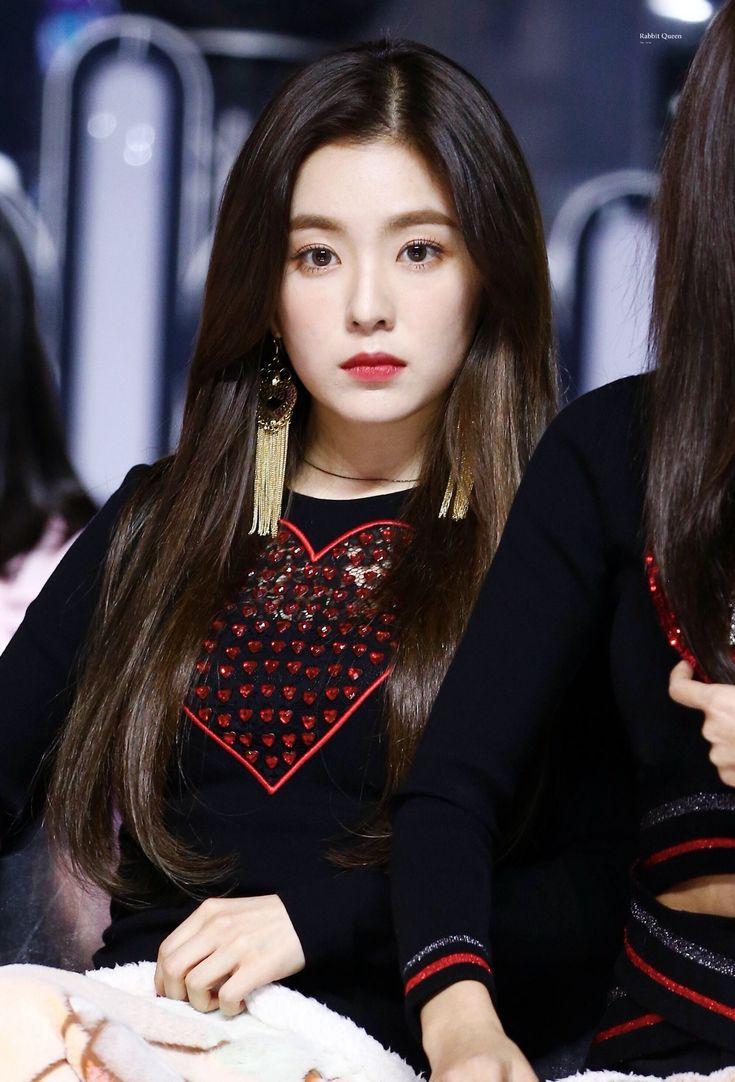 Irene đẹp xứng danh nữ thần, Red Velvet rực rỡ bên dàn