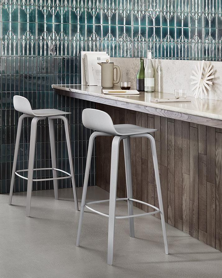 Le tabouret de bar 2014 Visu de Muuto pour une ambiance design chic.