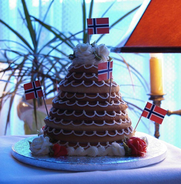 Sons of Norway Blog: Make Your Own Norwegian Wedding Cake