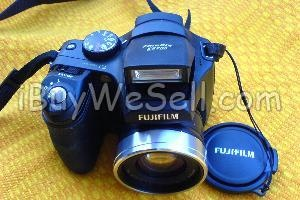 FUJIFILM DIGITAL CAMERA SLR TYPE  unwanted gift, RRP $369 + Camera Case    RRP$38, +Fujifilm 2GB Picture Memory Card    M/H, RRP $79, will sell the lot for $ 250,    this camera is as new,in all respects, and    will be posted for an extra $15, anywhere in    Australia ( only)  To contact the seller click on the picture. For more #cameras check http://www.ibuywesell.com/en_AU/category/Digital+Cameras-+Accessories/445/   #nikon #digitalcamera #usedcamera #AU #canon